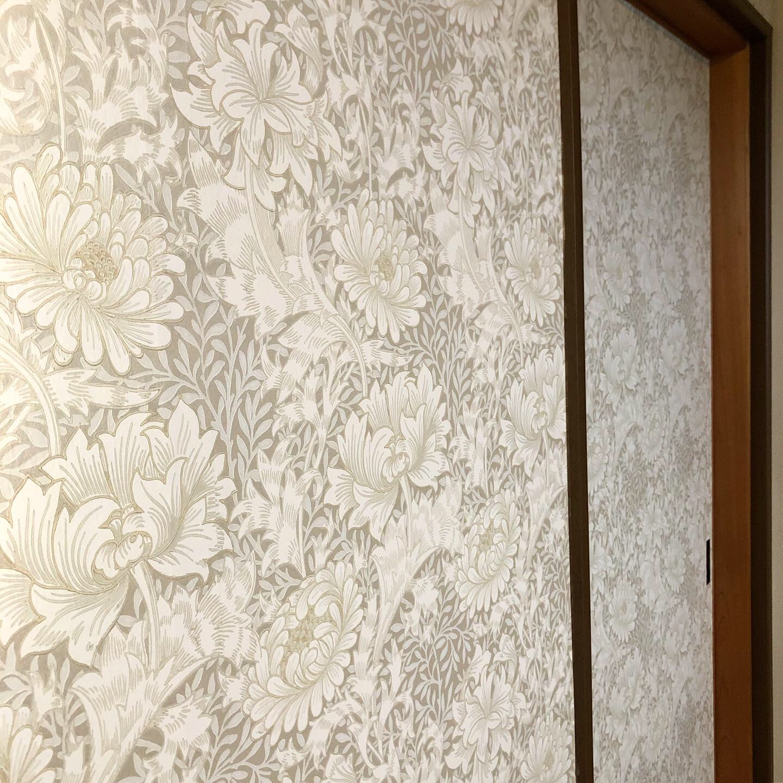 ウィリアムモリスの壁紙でアクセントクロス 施工事例 株式会社メルサ
